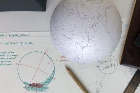 photo: 眺める。書く。持つ。PLOTTERの地球儀
